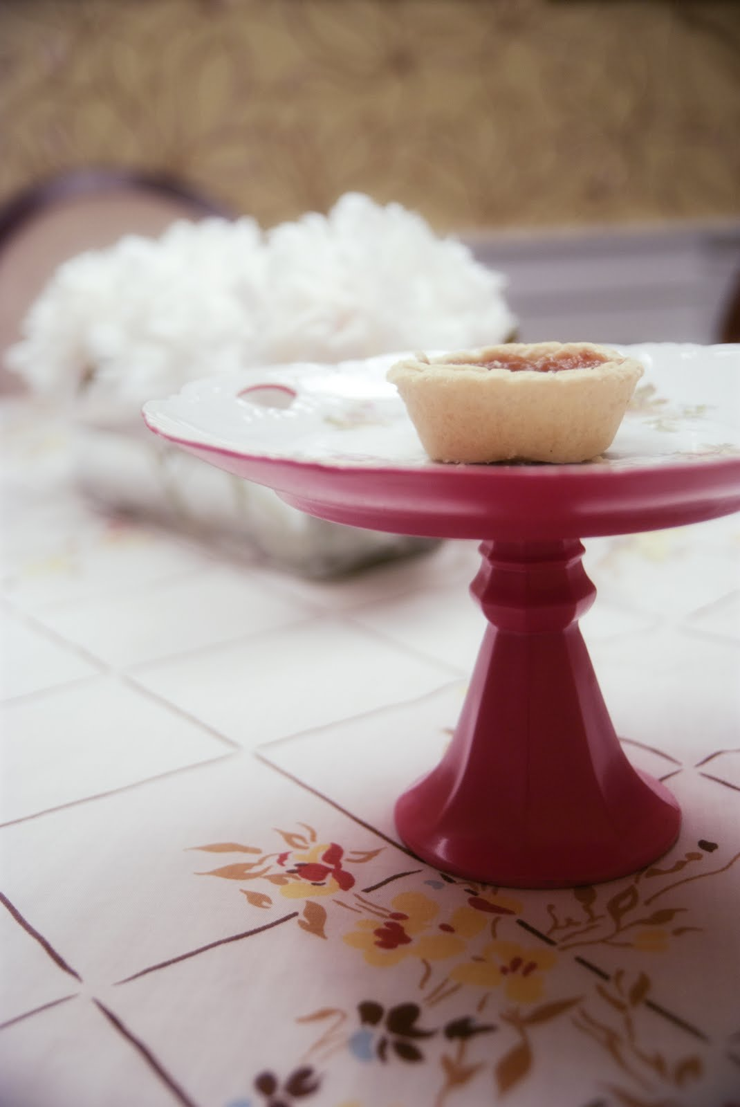 DIY cake stand, thrifted cake stand