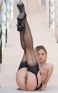 性感的成人图片 - Olivia%2BDevine-S01-018.jpg
