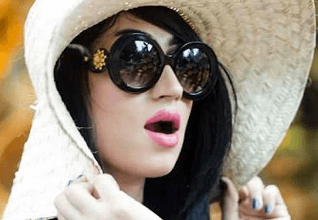 Qandeel Baloch Pakistani Actress HD Wallpapers Photo Images