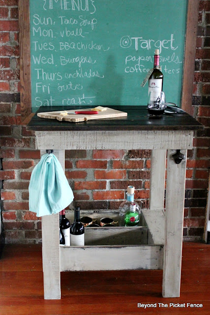 rustic bar, pallets, old drawer, kitchen island, https://goo.gl/Y5pVhA