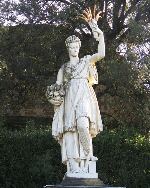 The statue of the Abbondanza (Abundance) by Pietro Tacca, Homage to Joanna of Austria, Grand Duchess of Tuscany, Giardino di Boboli (Boboli Gardens), Florence