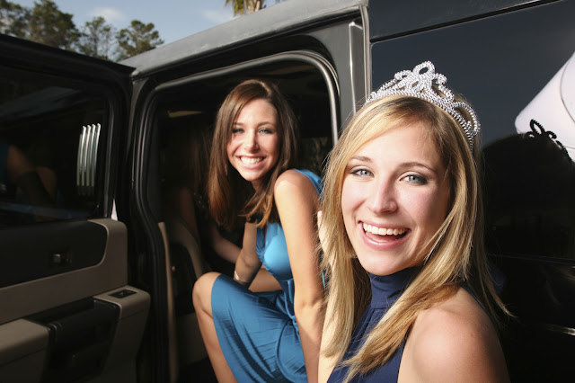Why You Should Book a Prom Limo for Their Big Night