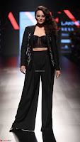 Lakme Fashion Week 2018   LFW SOnkashi Sinha at Lakme Fashion Week ~  Exclusive 034.jpg