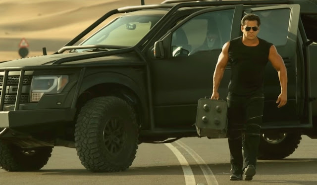 Race 3, Salman Khan, Geep, Sports Car, Explosives,