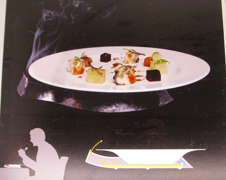 """""""langosta con vainilla"""",creación culinaria de Manolo Alonso,con el bajoplato """"dispar"""" por Jose Luis Navarro de cotacero & Juergen Hohle de forjacontemporanea, para """"diseño al Plato"""",Valencia Disseny Week 2015,"""