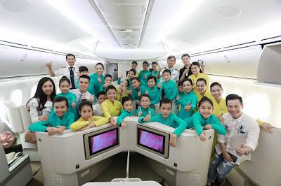 """Vietnam Airlines: Bay cùng """"tiếp viên hàng không"""" nhí"""