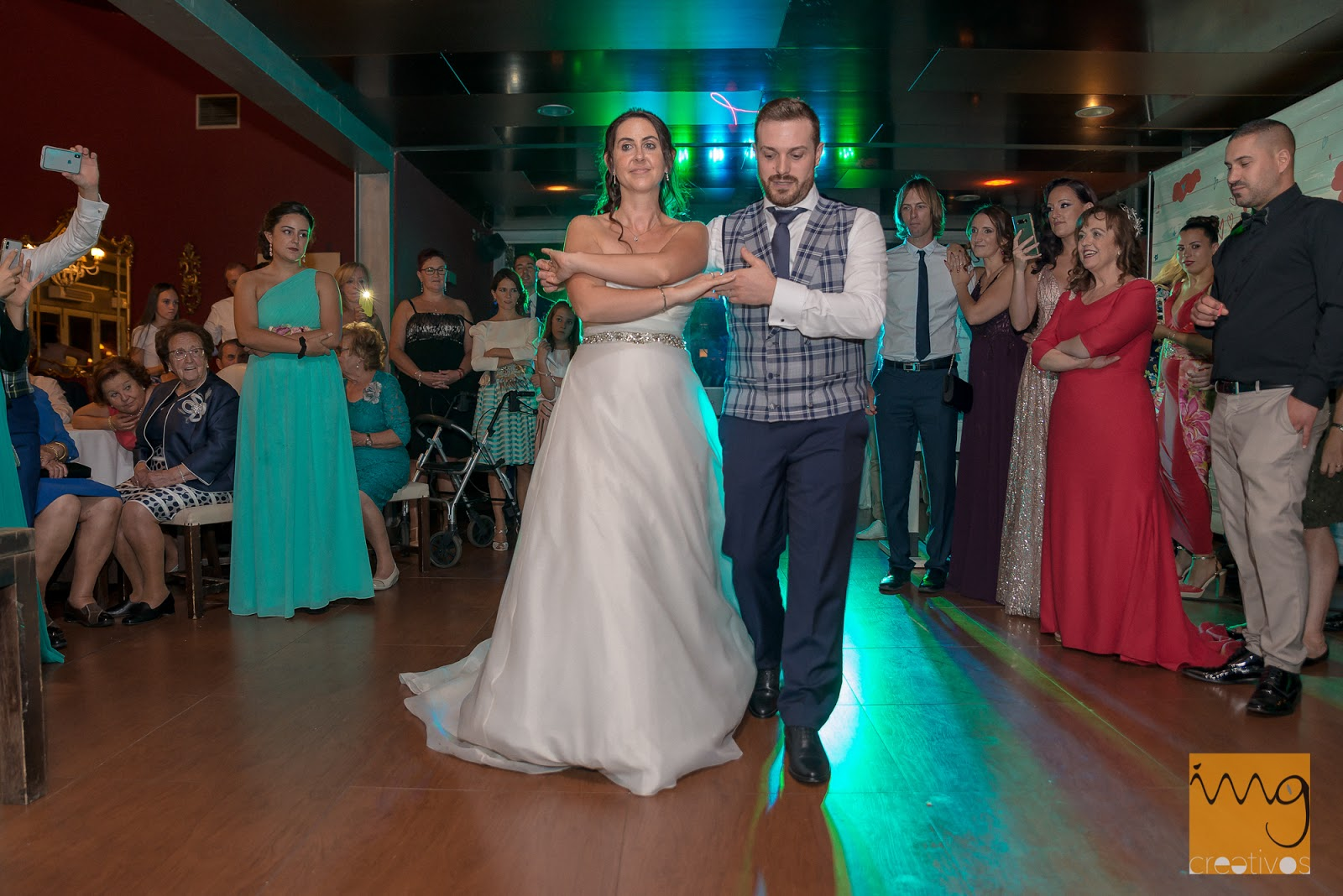 Reportaje de boda en restaurante Camaura