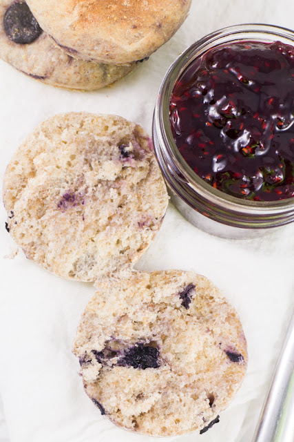 Blueberry English Muffins featured at Talk of the Town | knickoftime.net
