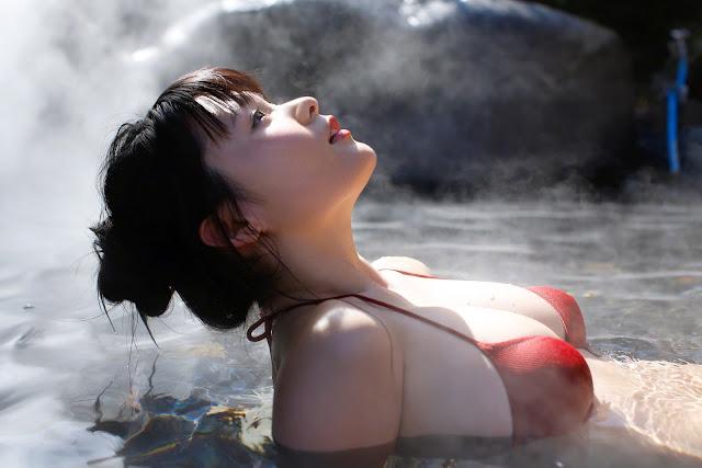 星名美津紀 Hoshina Mizuki Bikini At Onsen Wallpaper HD 05