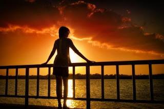 Puisi Cinta Bayang Bayang Kenangan Karya Disa Rahmawati