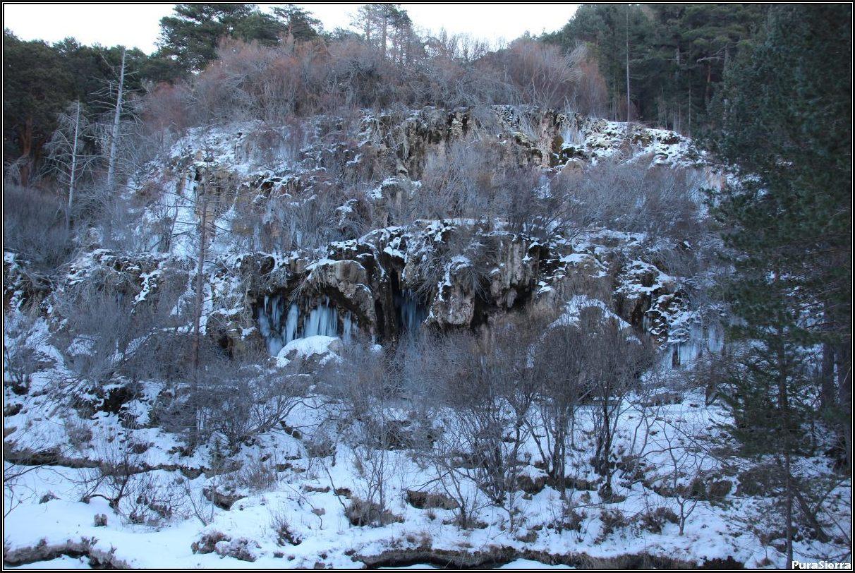 Cascadas del Nacimiento Del Río Cuervo (vista 3)