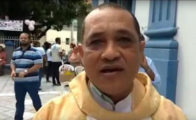 Homem diz querer marcar batizado, mas rouba igreja em Salvador