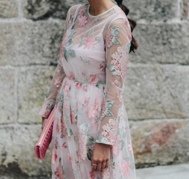 Vestidos para bodas con flores
