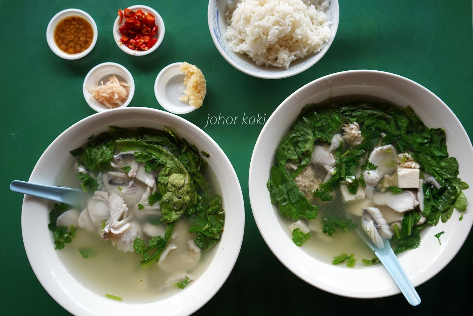 Which Is The Most Popular Fish Soup Stall Maxwell Food Centre Yi Jia Fish Soup If You Go By How People Vote With Their Feet Johor Kaki Travels For Food