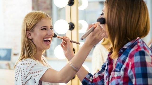 berbagi make up