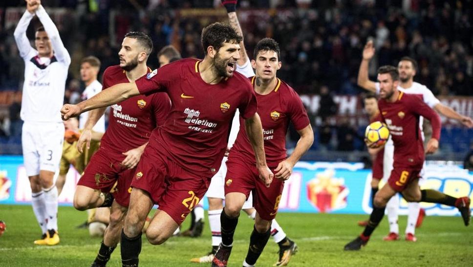 Roma-Cagliari 1-0 al 94′ con la benedizione del VAR, aggancio Juve in classifica | Calcio Anticipo Serie A