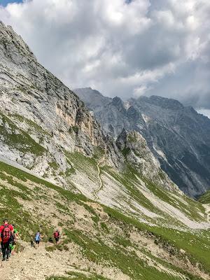 Übers Gatterl auf die Zugspitze  Alpentestival Garmisch-Partenkirchen   Gatterl-Tour auf die Zugspitze über ehrwalder Alm und Knorrhütte 08