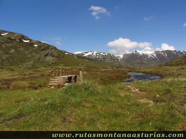 Puente sobre el río Tera de camino a Peña Trevinca