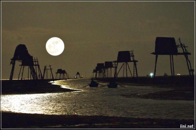 bãi biển Đồng Châu - Thái Bình về đêm