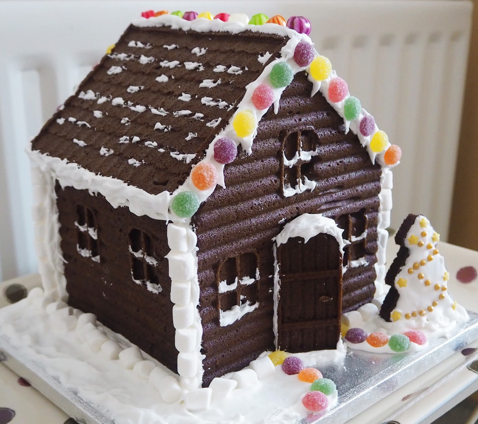 Christmas Throwback: Blogs From 2015, Katie Kirk Loves, Gingerbread House, UK Blogger, UK Fashion Blogger, UK Beauty Blogger, UK Lifestyle Blogger, UK Food Blogger, West Sussex Bloggers, Brighton Blogger