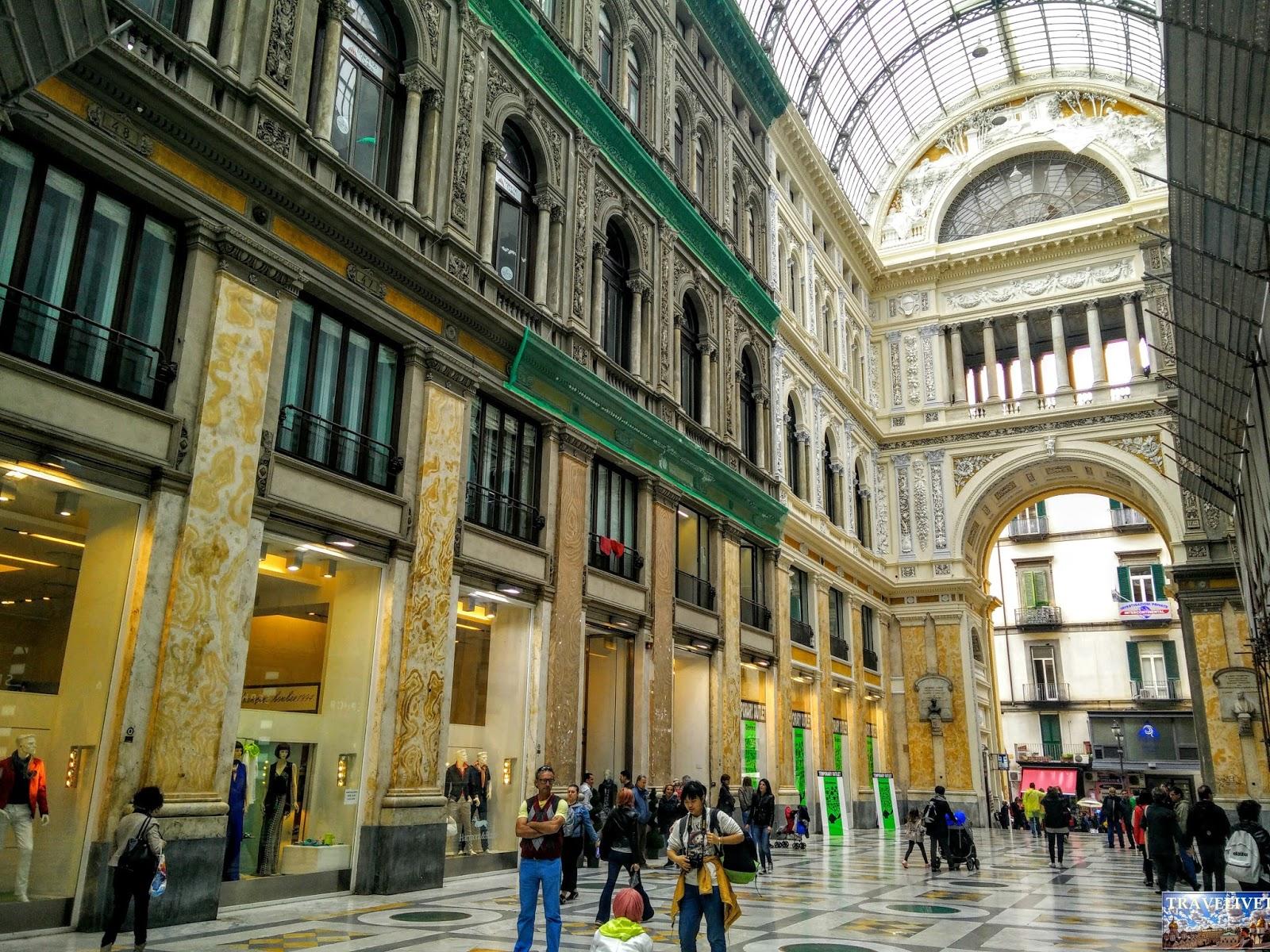Italie Naples Napoli Galleria Umberto I