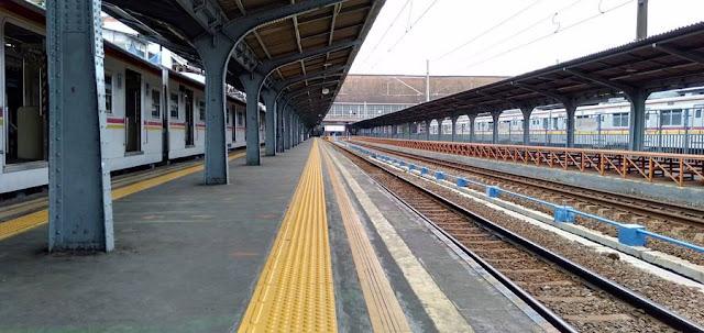 Cara Pergi Ke Pasar Pagi Mangga Dua Dari Bekasi Dengan Commuter Line