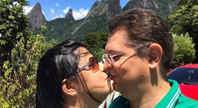 Deputado Sóstenes Cavalcante faz declaração de amor para a esposa