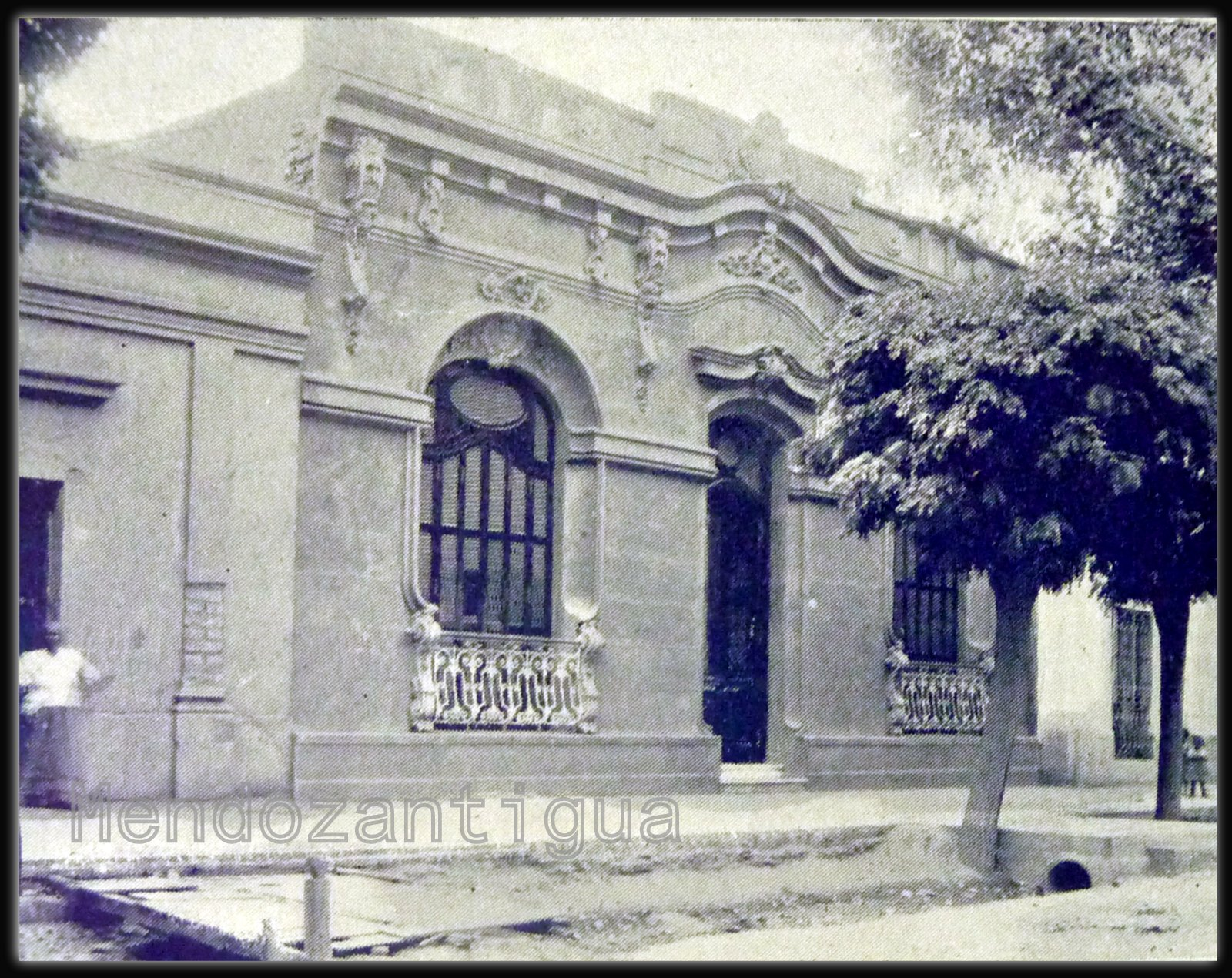 Casas En Mendoza A Principios Del Siglo XX. Residencia Del
