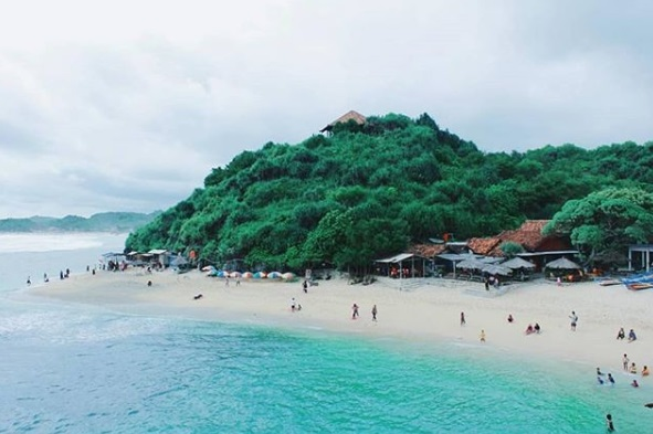 Pantai Sundak Gunung Kidul Jogja