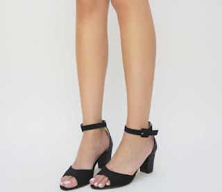 sandale negre piele intoarsa cu toc gros la moda