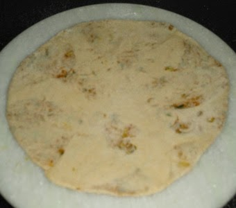 roll out he paratha