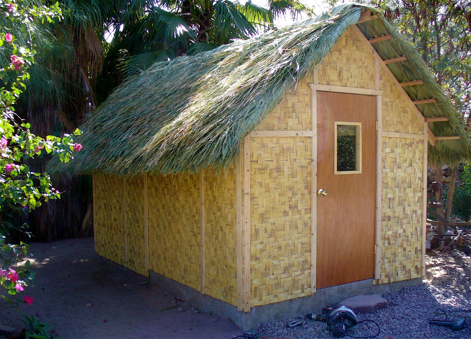 Alt build blog bamboo mat shed with a palm thatch roof for Bamboo roofing materials
