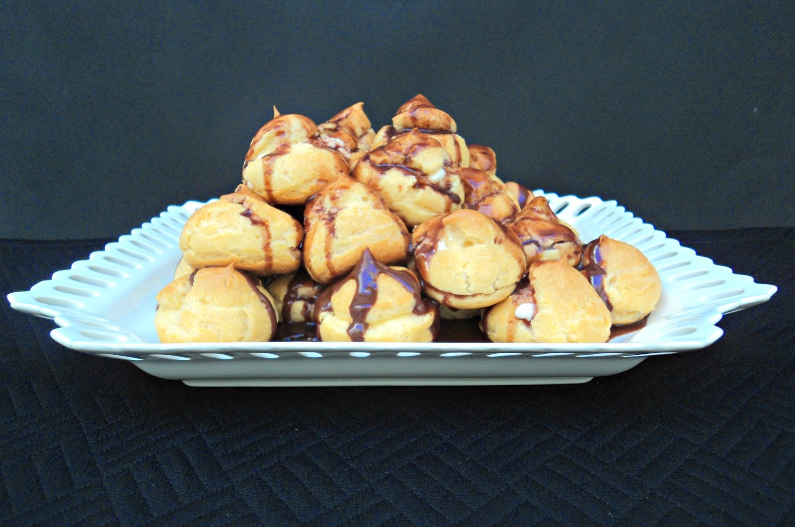 profiteroles-chocolate