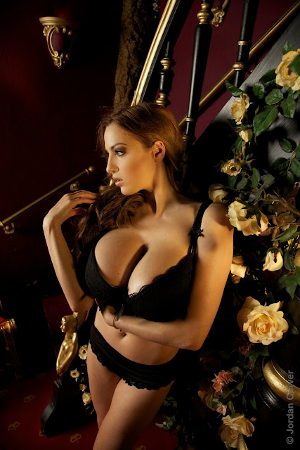 Jordan-Carver-Giuliette-photoshoot-image-hot-and-sexy-HD_21