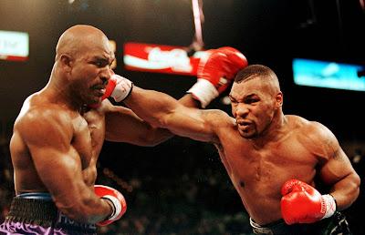 Petinju Mike Tyson