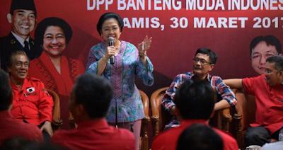 Megawati Berencana Pensiun dari PDIP,  Memang Sudah Pantas Jadi Nenek Bangsa