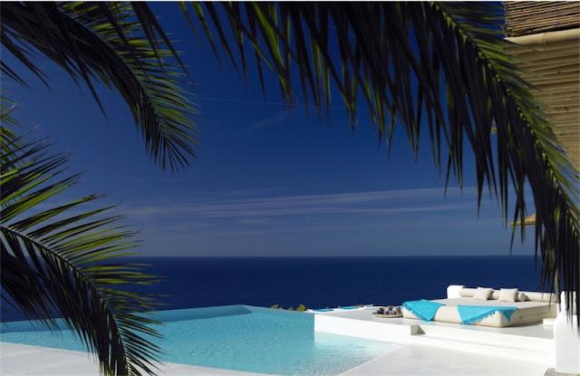 Villa Surga en Ibiza pool chicanddeco