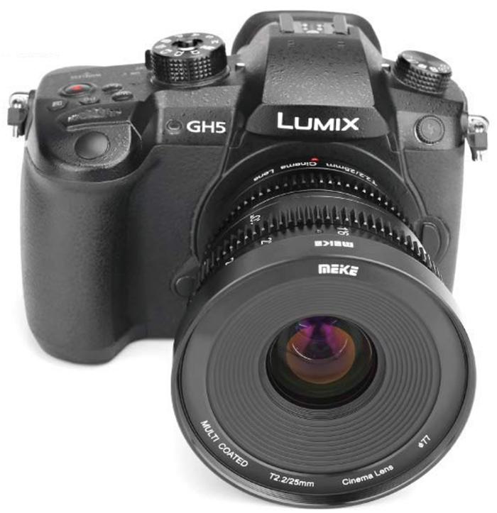 Объектив Meike 25mm T2.2 Cine с камерой Panasonic Lumix GH5