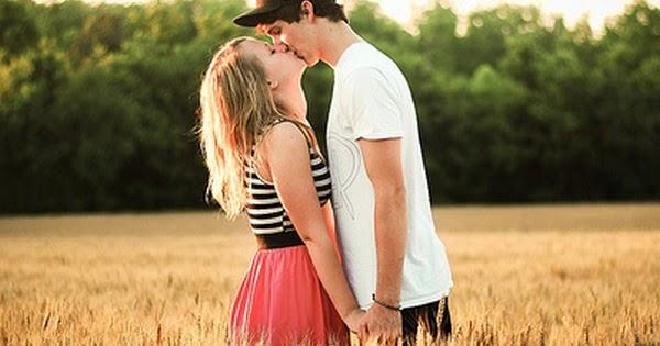 Boy Girl Kissing Hug Romantic Couple Lovers Holding Hands