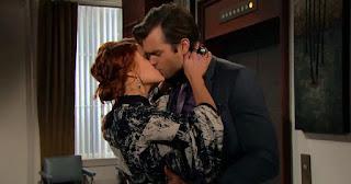 Sally e Thomas bacio