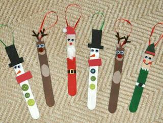 manualidad de navidad pintadas en palitos de helados