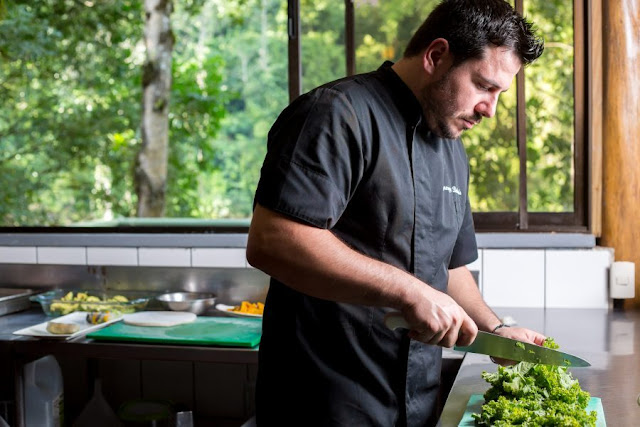 Giorgios Belesis collaborates with Pacuare Lodge