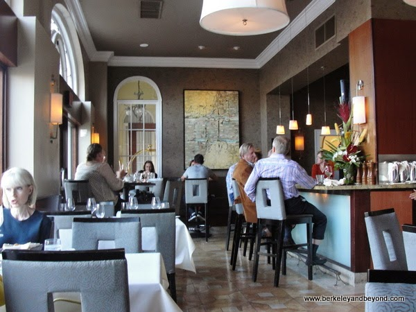 interior of Nine-Ten restaurant in La Jolla, California