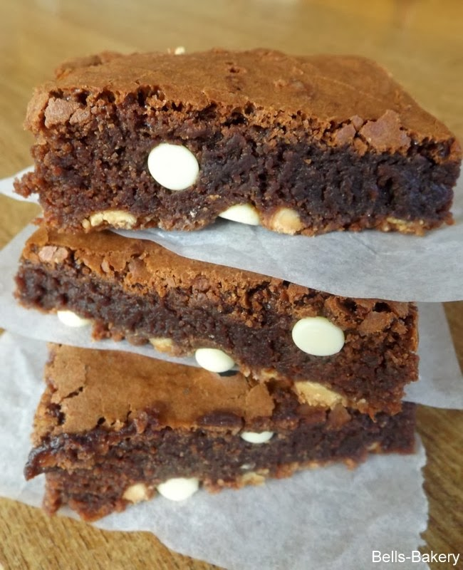 Whit Chocolate Chip Brownies