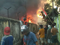 Gudang PLN Tanjung Karang Ampenan Terbakar