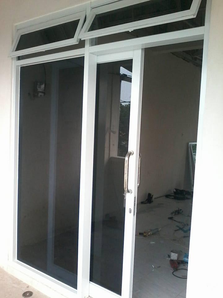 Contoh Pekerjaan Pintu Kaca Kusen Aluminium