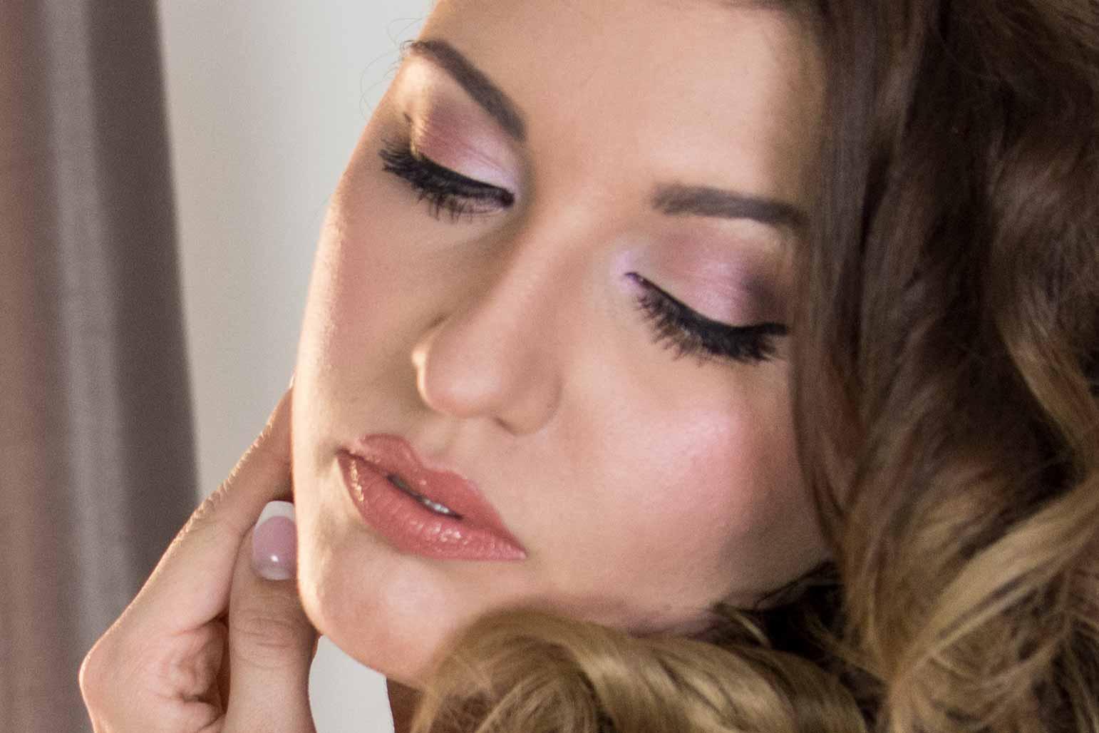 Ballkönigin für eine Nacht Zalando Ball Guide Make-Up Close-Up
