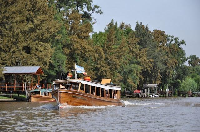 Passeio de barco pelo Rio Tigre no mês de fevereiro