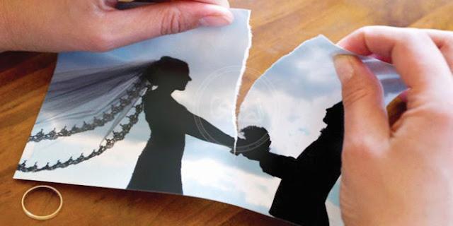 """زوج طلب الطلاق من زوجته بعد 6 أشهر: """"بتخربشني كل ما أقرب منها"""""""