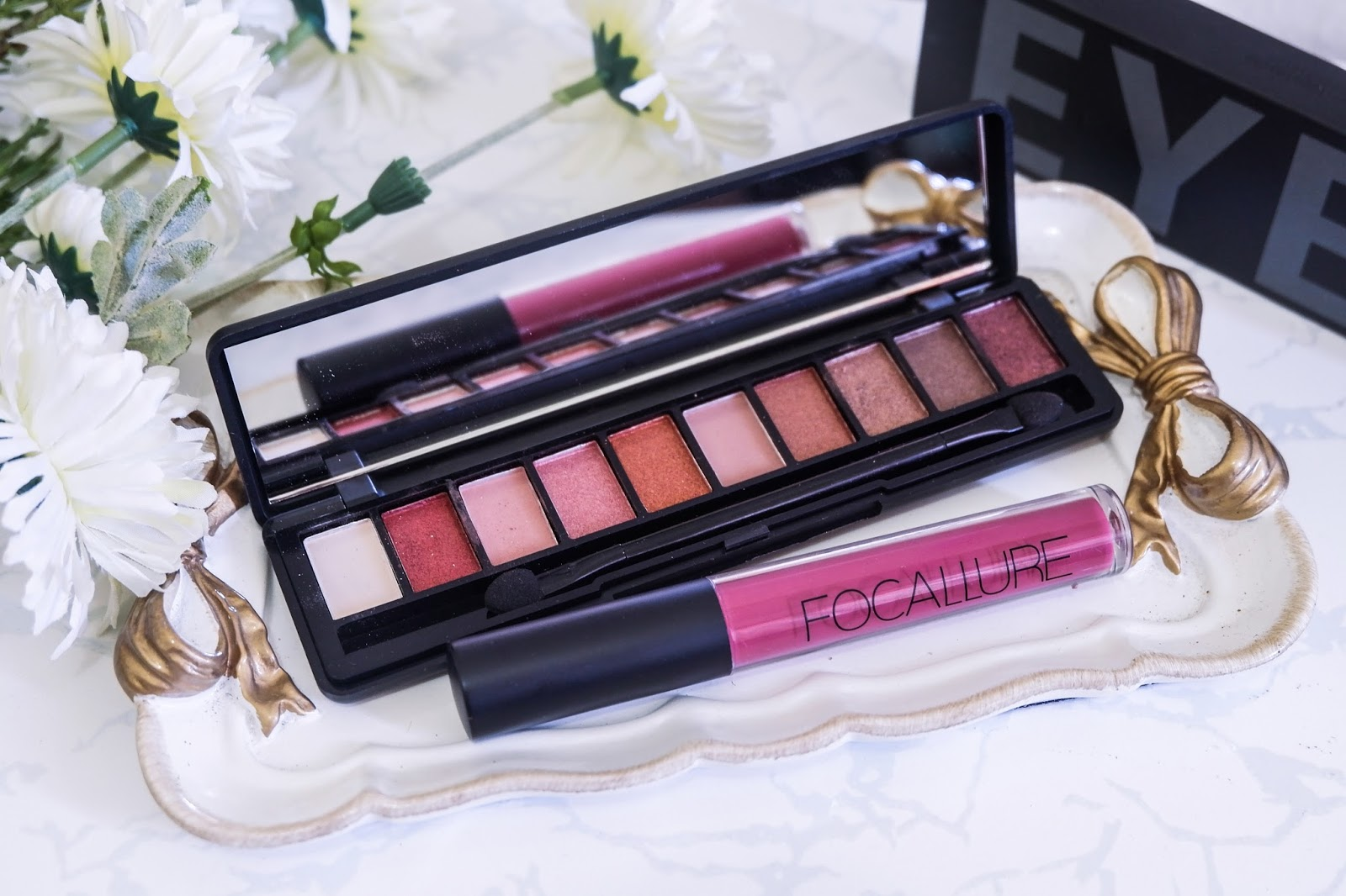 FOCCALURE EYE-SHADOW PALETTE & LIQUID MATTE LIPSTICK REVIEW